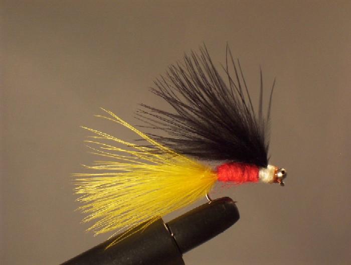 streamer a perche h de 8 tmc 100, marabout jaune et noir, laine rouge, coton blanc, chainette de douche